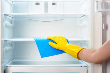 como limpara a geladeira e tirar o mau cheiro